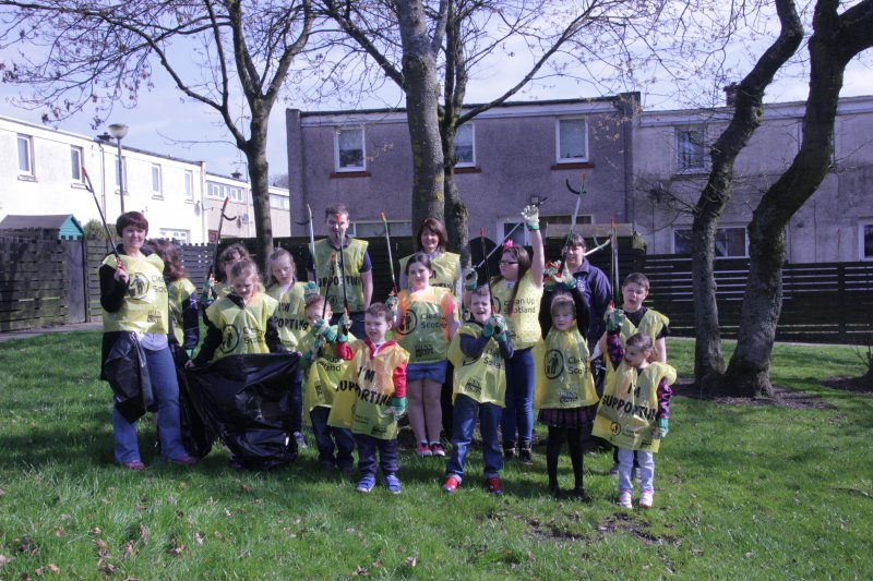 Play scheme litter pick